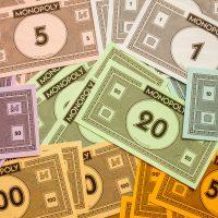 Combien de billets distribuer au Monopoly ?